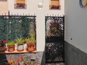 Image No.24-4 Bed Townhouse for sale
