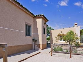 Image No.31-6 Bed Villa / Detached for sale