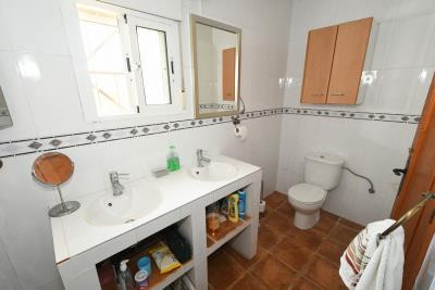 2024_5_bedroom_finca_060919103935_tn_cr5_5671