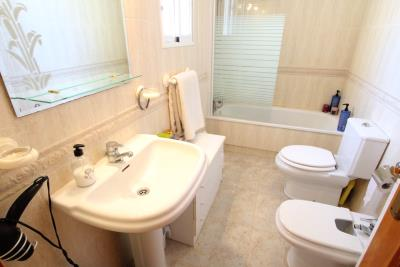 46834_spacious_3_bed_2_bath_townhouse_110820132719_img_1122