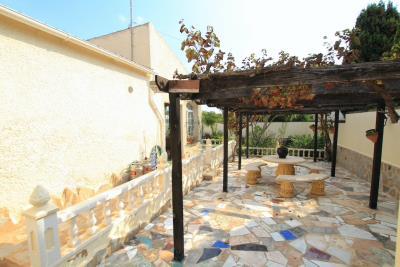 47324_charming_3_bed_2_bath_villa_with_pool___garage_081021065936_img_1298