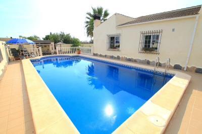47324_charming_3_bed_2_bath_villa_with_pool___garage_081021065955_img_1321