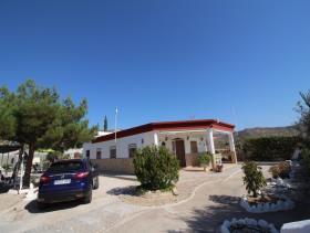 Abanilla, Villa