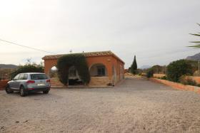 Hondón de los Frailes, Villa