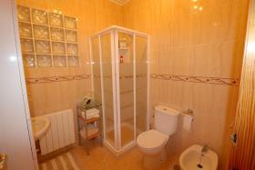 Image No.26-3 Bed Villa / Detached for sale