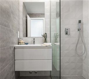 paris-ivmaster-bathroom-3-1