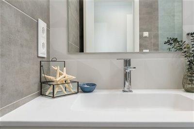 paris-ivmaster-bathroom-2-1
