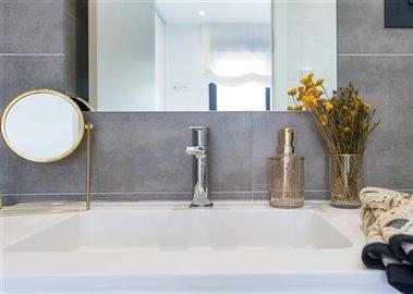 paris-ivbedroom-2-bathroom-2-1