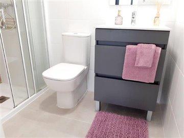 pacolevansuriii7-bathroom-ensuite