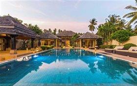 Thong Krut, Property
