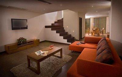 4---th-lounge