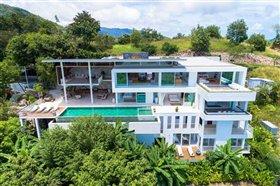 Thong Krut, Villa