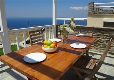 andros-traditional-houses-villaB-balcony-02-600x420
