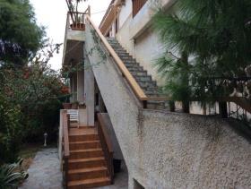Image No.2-Maison de 4 chambres à vendre à Saronida