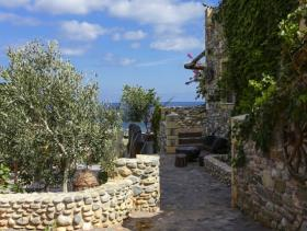 Image No.4-4 Bed Hotel for sale