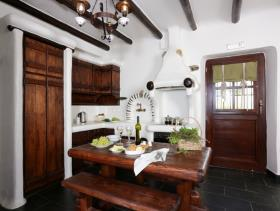 Image No.5-4 Bed Hotel for sale