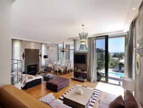 Image No.2-Maison / Villa de 4 chambres à vendre à Corfou