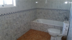 Image No.8-4 Bed House for sale