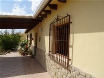 1097-country-house-for-sale-in-elche-17887-la