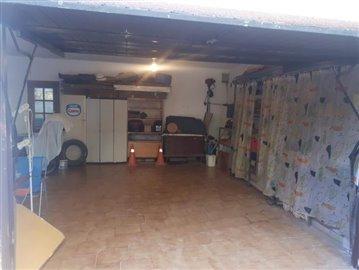 Garage--2-