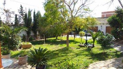 Garden-to-house