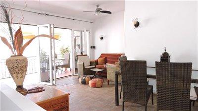 t905-living-room
