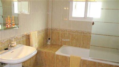 bathroom-2b-1
