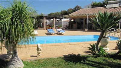 pool-terrace-c-1