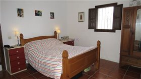 Image No.9-2 Bed Farmhouse for sale