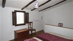 Image No.11-2 Bed Farmhouse for sale