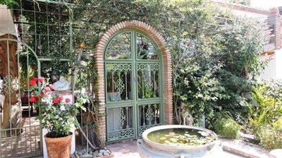 courtyard-entrance