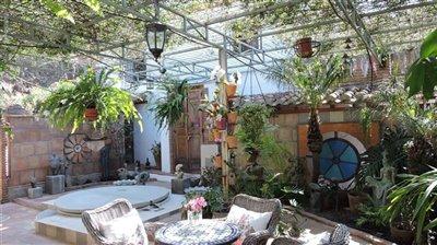 courtyard-b