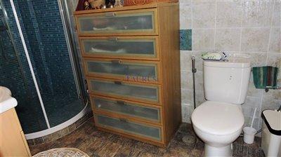 studio-bathroom-a
