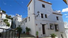 Sedella, Townhouse