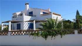 Image No.3-3 Bed Villa for sale