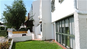Image No.14-4 Bed Townhouse for sale
