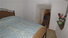 Image No.7-1 Bed Townhouse for sale