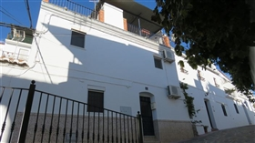 Image No.28-4 Bed Townhouse for sale