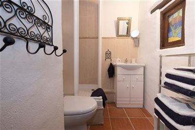 en-suite-bedroom-2-1