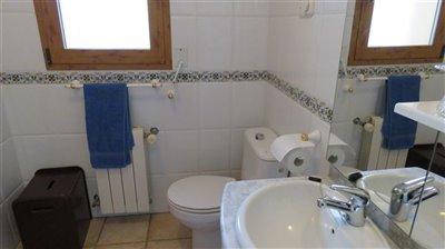 bathroom-1b-2