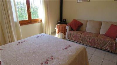 guest-apart-bedroom-b