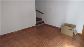 Image No.2-4 Bed Townhouse for sale