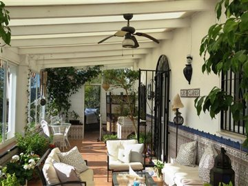 glazed-veranda-b
