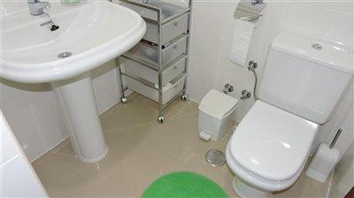 bathroom-1b-3