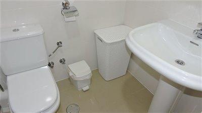 bathroom-2b-3