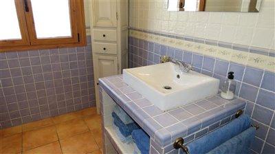 bathroom-2a-1