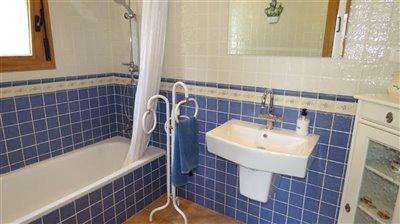 bathroom-3a