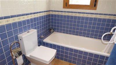 bathroom-3b