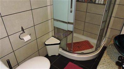 bathroom-1a-apartment
