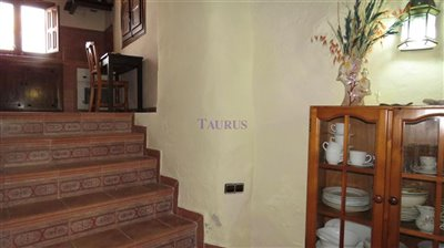 stairs-from-dining-room-to-kitchen